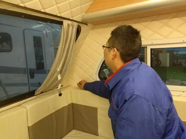 2018新款中置轴旅居半挂车——中驰威CEV360