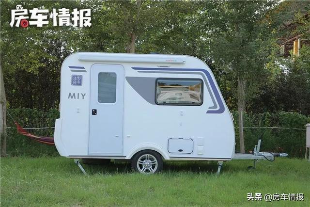 这款房车能合法上路,大床能睡3口人,独立卫浴间,价格才不到8万