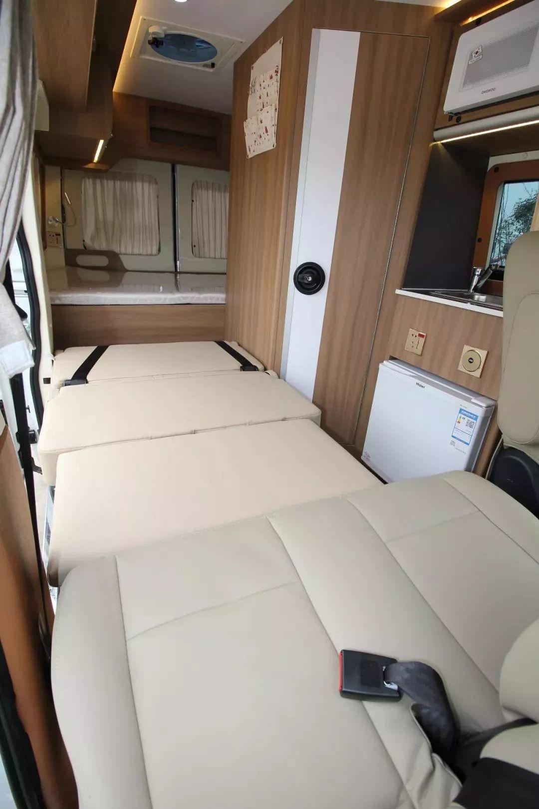 2.29上海房车展:车长5米1的骏驰B型房车,小空间大利用,2X.8万的售价很值了!