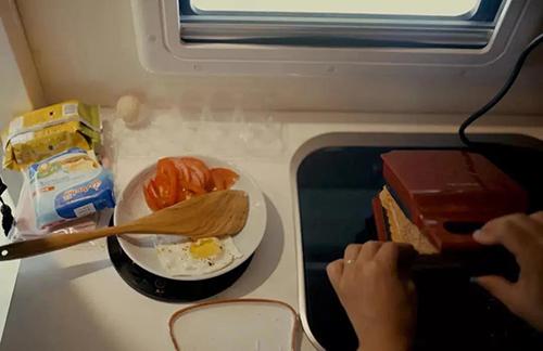 房车旅行时,如何生火做饭?(图2)